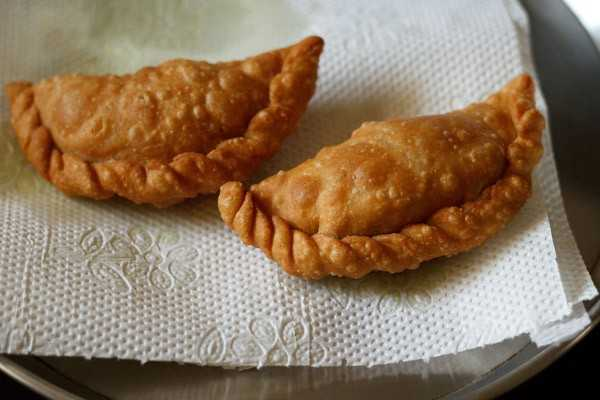Gujiya recipe31
